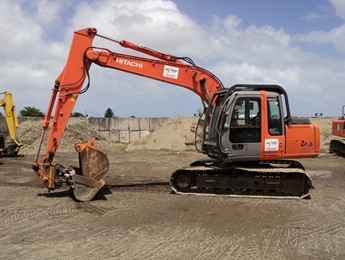 (8c) Hitachi ZX120 with Long Arm